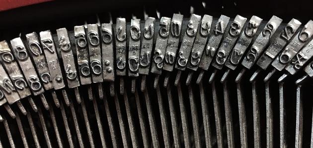 typewritergeorgiancaps01